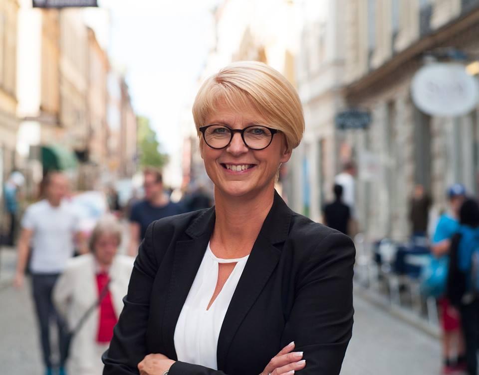 Elisabeth Svantesson - årets hedersgäst och föredragshållare.